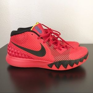 43ed2f092c4 Nike Kyrie 1 deceptive red size 9 RARE